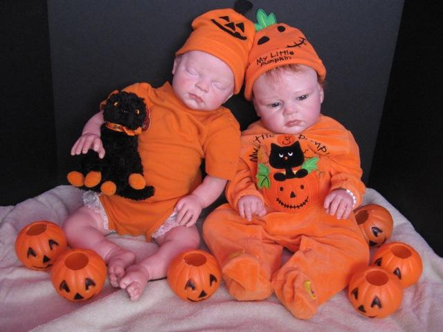 reborn-doll-halloween-Pumpkin-costume-1